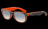 サングラスデザインには、スクエアー型やパリジャン型やウェリントン型等があります。