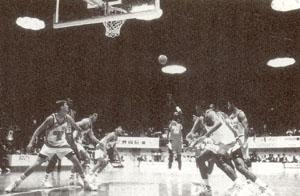 バスケットボールに潜む目の危険
