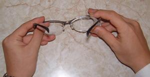 メガネを掛けている方のテニス時のスポーツメガネ用花粉症対策テニスめがねのご紹介
