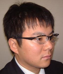 眼鏡を掛けている方のテニス時の花粉症対策眼鏡のご紹介