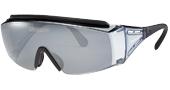 ウォーキングどきのメガネを掛けている方の便利なオーバーサングラスのご紹介。