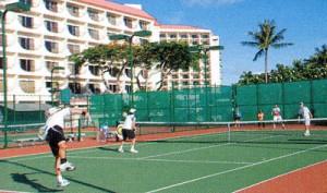 スポーツグラスフレームはテニス、野球、ゴルフの競技を考慮したフレーム選びが大切
