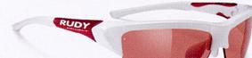 スポーツグラス用サングラス度入りは、眼鏡を掛けている方にとって集中力を高める装用感が重要です。