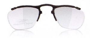 スポーツグラス度つきは、眼鏡を掛けている方にとって集中力を高める装用感が重要です。