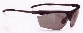 スポーツ用サングラス選びは、スポーツ競技に合ったサングラスを選ぶこと。