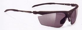 度つきスポーツ用サングラス選びは、スポーツ競技に合ったサングラスを選ぶこと。