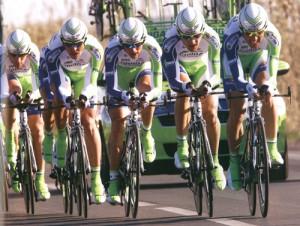 スポーツグラス用サングラスは、集中力を高める装用感が重要です。