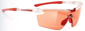 度付きスポーツグラスには度つきサングラスやメガネや度付きゴーグルがあります。