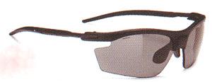 女性用スポーツ度つきサングラスはスポーツ競技に合ったサングラスを選ぶ事が大切。