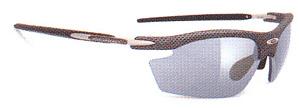 女性用スポーツ度入りサングラスはスポーツ競技に合ったサングラスを選ぶ事が大切。