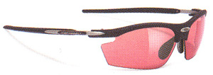 女性用スポーツサングラス度つきはスポーツ競技に合ったサングラスを選ぶ事が大切。