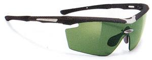 度つきスポーツグラスには度入りサングラスやメガネや度付きゴーグルがあります。