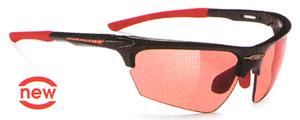 度入りスポーツサングラスのカラー選びは、天候、時間等によって選ぶことが大切。