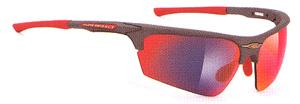 スポーツグラス度付きには、度つきゴーグルや度付きサングラスやメガネタイプがあります。