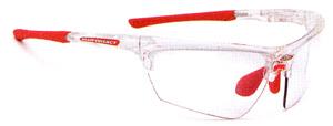 スポーツグラス度入りには、度入りゴーグルや度つきサングラスやメガネタイプがあります。