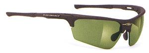 スポーツグラス度つきには、度つきゴーグルや度つきサングラスやメガネタイプがあります。