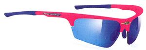 スポーツグラス度入りには、度入りゴーグルや度入りサングラスやメガネタイプがあります。