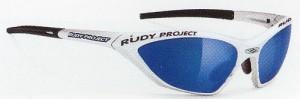 スポーツグラスレディース用度付きや小さいお顔の方用スポーツサングラスを選びました。