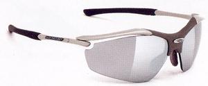 度付きサングラスのカラー選びは、フィールドの状況によって選ぶカラーが変わります。
