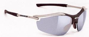 度つきサングラスのカラー選びは、フィールドの状況によって選ぶカラーが変わります。