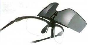 スポーツグラスには、サングラスやメガネやゴーグルがありそれぞれ度入りが可能です。