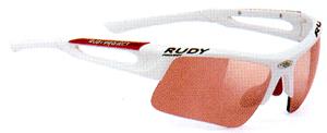 度つきスポーツサングラス選びは競技によってサングラスのデザインがちがいます。