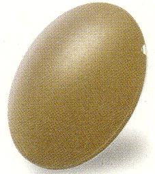 度付き偏光グラスの精度は、偏光レンズの製法技術によって見え方に違いがある。
