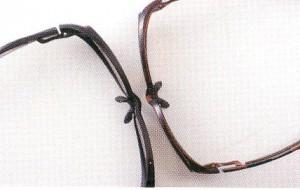 サングラスの理想は、偏光フィルターを仕様した偏光サングラスが快適です。