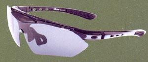 度入りスポーツグラス専門店には、度付きサングラスやメガネや度付きゴーグルがあります。