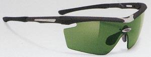 スポーツ競技に適したサングラス度入り選びは、スポーツ用サングラス専門販売店にご相談下さい。