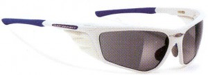 偏光サングラス度つきは、あらゆるアウトドアの度付きサングラスとして最適なサングラスです。