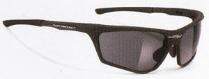 偏光サングラス度つきは、あらゆるアウトドアの度入りサングラスとして最適なサングラスです。