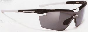度付き偏光サングラスは、あらゆるアウトドアの度付きサングラスとして最適なサングラスです。