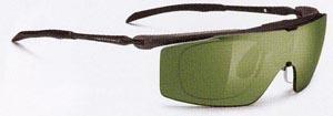 スポーツ競技に適したサングラス度入り選びは、スポーツサングラス専門販売店にご相談下さい。