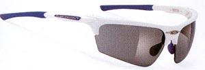 度つき偏光サングラスは、あらゆるアウトドアの度つきサングラスとして最適なサングラスです。