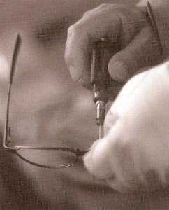 度付き偏光サングラスの精度は、偏光レンズの製法技術によって見え方に違いがある。