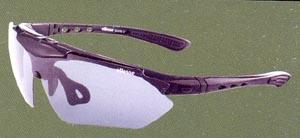 度付きスポーツグラス専門店には、度つきサングラスやメガネや度入りゴーグルがあります。