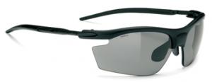 スポーツサングラスの選び方は、レンズカラーが大切で競技や天候、時間により選ぶ