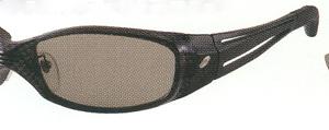 サングラスにとって大切なのはレンズです。偏光レンズカラーをお奨めいたします。