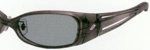 偏光のスポーツサングラスは、アウトドアどきのサングラスとして適したグラスです。