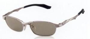 ドライブどきに疲れにくいサングラスレンズに適した偏光レンズは快適です。