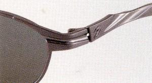 ゴルフに適した偏光レンズは、グリーンの傾斜や芝目がハッキリします。