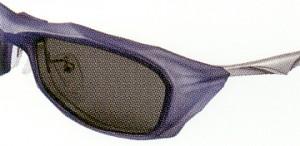度付きサングラスを製作される方にお勧めの偏光サングラス度入りは、偏光レンズの製法と技術の差によって違いがあります。