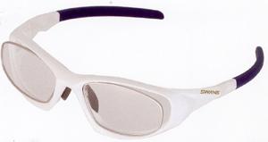 眼鏡を掛けている方でスポーツをされる時の度入りスポーツ用メガネ選びは大切です。