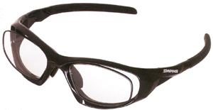 眼鏡を掛けている方でスポーツをされる時の度つきスポーツ用メガネ選びは大切です。