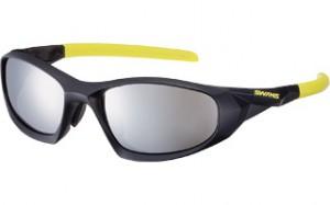 眼鏡を掛けてスポーツをされる方にとって、度入りスポーツグラスの選び方は大切です。