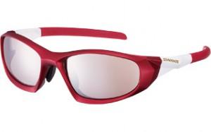 眼鏡を掛けてスポーツをされる方にとって、度つきスポーツグラスの選び方は大切です。