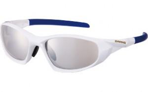 メガネを掛けてスポーツをされる方にとって、度つきスポーツグラスの選び方は大切です。