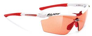 ロードバイク時のスポーツサンウラス選びは、軽くてズレにくいサングラスが大切。