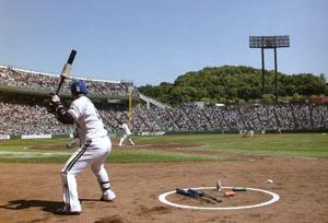 スポーツサングラスを晴天どきの野球で掛けることでボールがハッキリします。